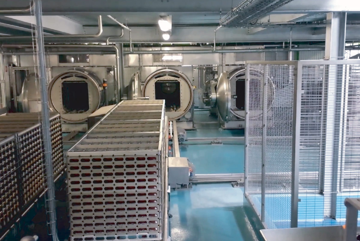 Guelt Canning - Autoclave shuttles  with racks